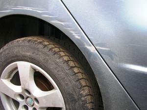 удалить царапины с поверхности автомобиля