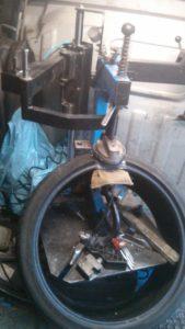 горячая вулканизация ремонт бокового пореза шины